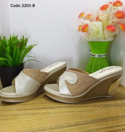 Ladies Fashionable Sandal - 2201-B
